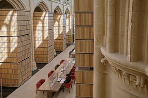 L'abbaye d'Ardenne est devenue le siège de l'Institut mémoires de l'édition contemporaine.