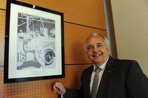Patrick Gruau, est par ailleurs président-adjoint de l'Automobile club de l'Ouest qui organise les 24 heures du Mans.