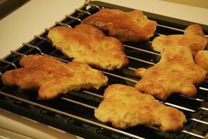 Les <i>Mannele</i> sont de petits pains au lait en forme de bonhommes