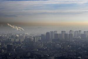 La ville de Grenoble sous le nuage de pollution.