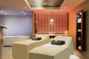 Dans le luxueux décor du Royal Thalasso, on mise sur des soins personnalisés.