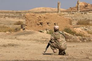 Un soldat irakien dans les ruines de Nimroud, le 14 novembre.