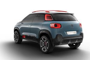 Citroën poursuit le thème des formes lisses, dénuées d'agressivité.