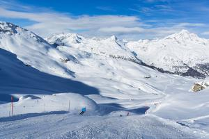 Orienté nord, le domaine de Corvatsch bénéficie d'une excellente qualité de neige jusqu'en mai.