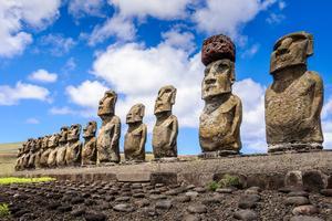 Les statues de l'Île de Pâques.