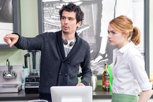 Damien Chazelle aux côtés d'Emma Stone sur le tournage de «La La Land»