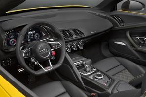 Ergonomie, qualité des matériaux, précision des assemblages: nous sommes bien dans une Audi. Mais l'ambiance est un peu trop austère pour une sportive.