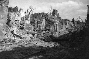 La ville de Craonne en 1917 à la suite d'affrontements.