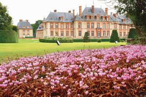 Dans la vallée deChevreuse (78), le parc et les jardins à la française et à l'anglaise du château de Breteuil.
