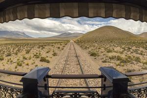 Certains lieux traversés par le train Belmond Andean ressemblent à des décors de western spaghetti.