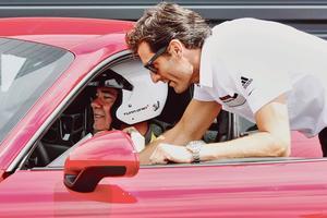 Le champion du monde Mark Webber est là pour nous prodiguer de précieux conseils.