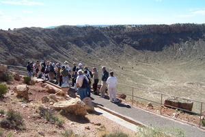 Meteor Crater en Arizona, provqué par un impact il y a 50.000 ans.