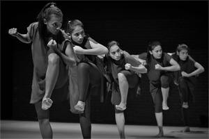 Balabala et les danseuses indonésiennes.