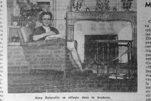 Mme Delacotte dans son salon