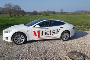 Tesla S, avec pilote automatique