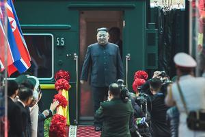 Kim arrive au Vietnam.