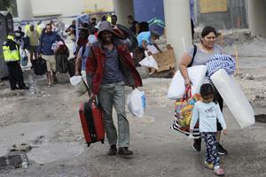 Les habitants de Miami se mettent à l'abri avant l'arrivée d'Irma. (photo: David Goldman, AFP)