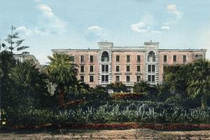 L'ancien Grand Hôtel est aujourd'hui le siège de la Collectivité territoriale de Corse.