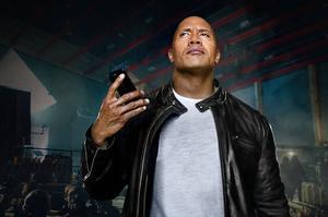 The Rock, dans un film promotionnel d'Apple pour Siri.