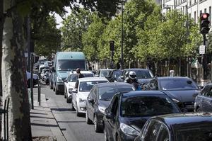 Embouteillage sur les quais de Seine.