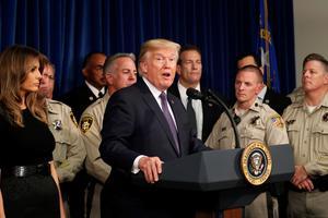 Le 5 octobre, Donald Trump en conférence de presse après sa rencontre avec la police de Las Vegas. (Kevin Lamarque / Reuters)