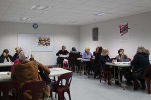 En plus de l'aide alimentaire, l'association propose des cours d'alphabétisation.