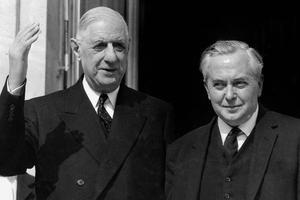 Le général de Gaulle et le premier ministre britannique Harold Wilson en avril 1965.