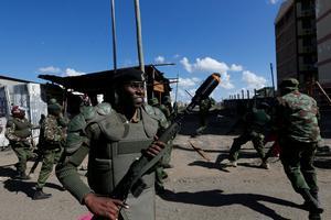 L'armée disperse une manifestation de l'opposition.