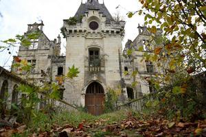 Le château de La Mothe-Chandeniers.