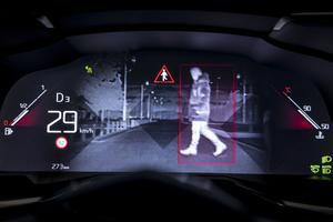 Face au conducteur, un combiné personnalisable.