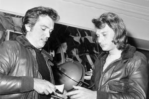 Johnny Hallyday et son parolier Philippe Labro en 1971.