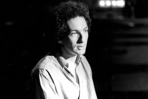 Michel Berger réalise Rock'n'Roll Attitude et ramène Johnny en tête des ventes.