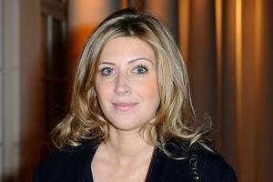 Amanda Sthers, auteur de «Dans mes yeux» biographie du chanteur.