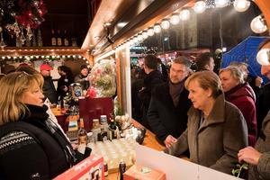 Angela Merkel s'est rendue sur le marché de Noël de Berlin le 13 décembre.