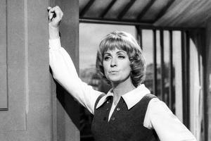 Danielle Darrieux tourne pour la télé: «La robe mauve de Valentine» en juillet 1969