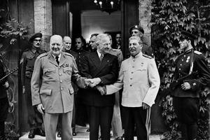 Churchill, Truman et Staline lors de la conférence de Potsdam (17 juillet 1945).