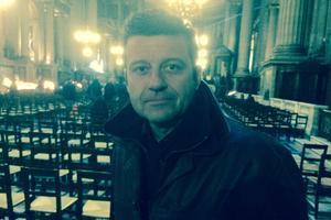 Franck dans la nef de la Madeleine à Paris.