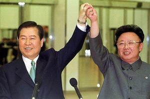 En 2000, rencontre de Kim Jong-il et Kim Dae-jung.