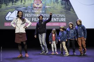 Les films sont souvent suivis d'un débat avec les réalisateurs. Ici, la famille Fabbri venue présenter <i>Kids for Sea</i> à La Rochelle.