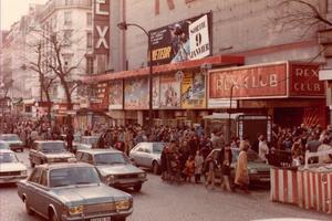 L'entrée du Rex Club dans les années 1970.
