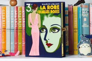 Une minaudière-livre d'Olympia Le-Tan.