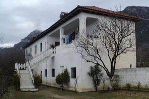 A 30 km de Tirana, cette maison aurait servi de «prison secrète» à l'UCK dans le cadre du trafic d'organes.