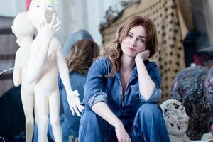«Ma femme <i> (Marine Delterme, ici dans son atelier)</i> n'est pas seulement comédienne, elle est aussi sculptrice.»