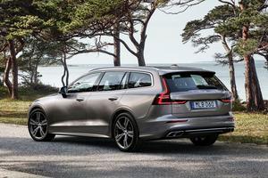Par rapport au modèle qu'elle remplace, la nouvelle V60 gagne en dynamisme et en prestance.