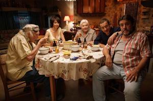À l'affiche de la Ch'tite famille, on retrouvera entre autres, de gauche à droite, Pierre Richard, Valérie Bonneton, Line Renaud, Dany Boon et Guy Lecluyse.