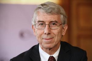 François Écalle, spécialiste des finances publiques.