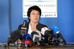 La procureure de Bordeaux, Anne Kayanakis, le 20 mars 2015, lors de l'annonce de la découverte des cinq corps de nourrisson à Louchats.