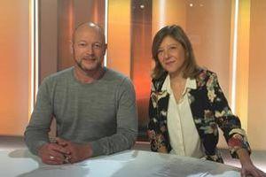 Bénédicte Menu (à droite) et Jean-Bernard Carillet, co-animent «Terminal F», le magazine des voyages du <i>Figaro</i>.