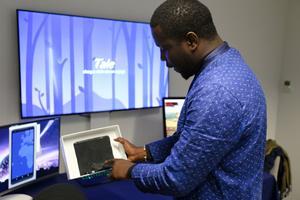 «Tale» est une application interactive dans laquelle le conte oral est présenté en 3D et en réalité virtuelle.