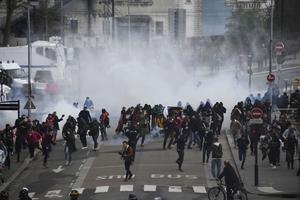 Ce 14 avril, environ 4000 personnes manifestent dans les rues de Nantes pour soutenir les zadistes.